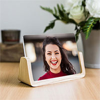 Photo effect - Photo frame with a wooden base
