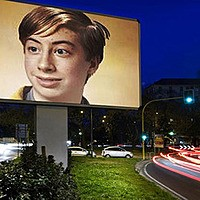 Foto efecto - Billboard between two roads