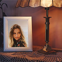 Effect - Photo frame in warm light