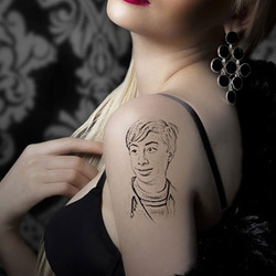 Photo effect - Tattoo of the charming girl