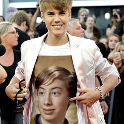 Photo effect - On the t-shirt of Justin Bieber